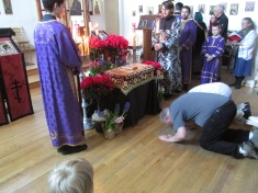 Venerating the shroud at vespers of Great and Holy Friday